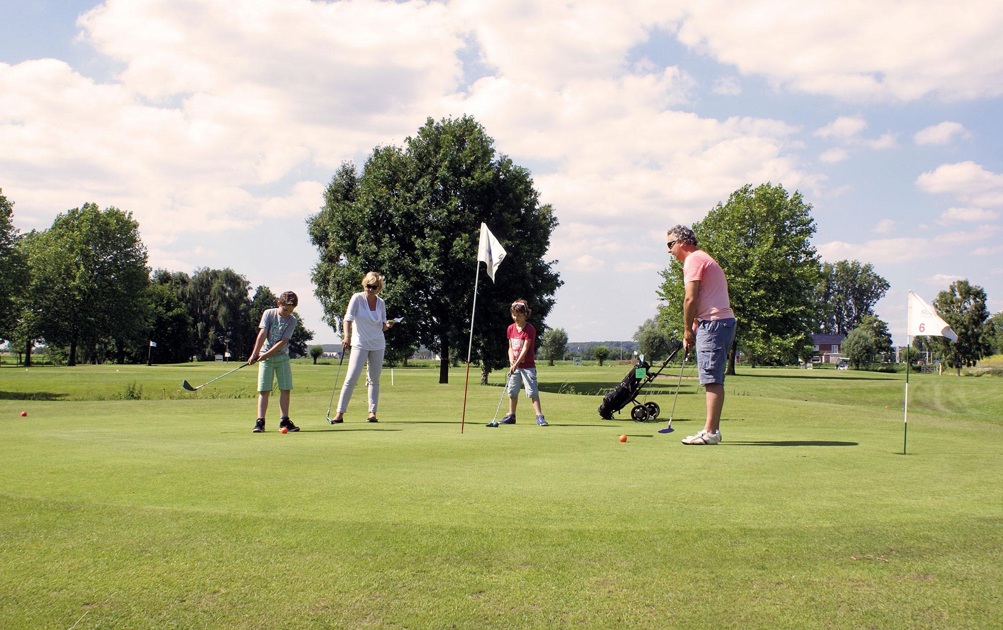 Sportieve activiteit voor de hele familie - Supagolf